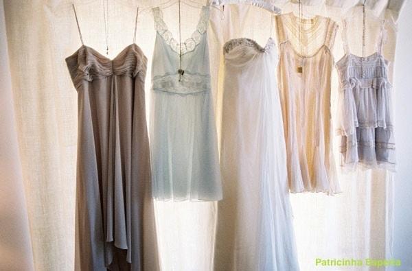 josevillasbrlog vestidos pendurados - Como usar o closet a seu favor - segundo dia