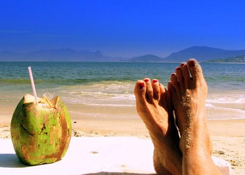 beach+relax1 - Fuja do carnaval, ainda dá tempo!