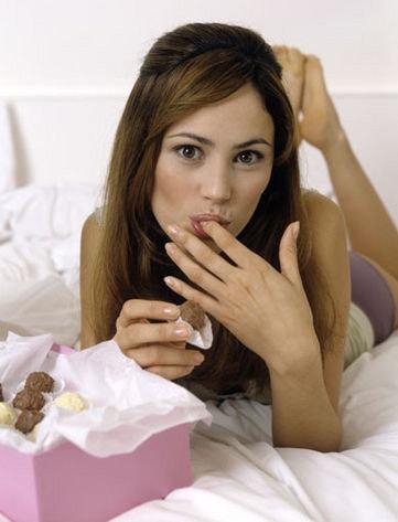 comer antes de dormir - Dormir Pouco Engorda!