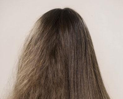 cabelo com frizz - Truques para reduzir o frizz