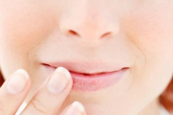como tratar labios rachados e ressecados - Lábios Ressecados e Rachados: Como Evitar?