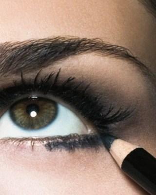 preto3 - Como delinear os olhos: 2 - Lápis preto para olhos