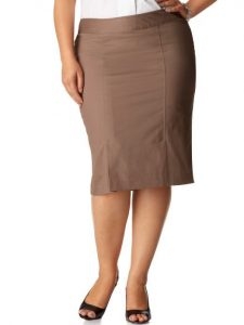 saia1 225x300 - Dossiê da moda – Peças que valorizam quem tem pernas curtas