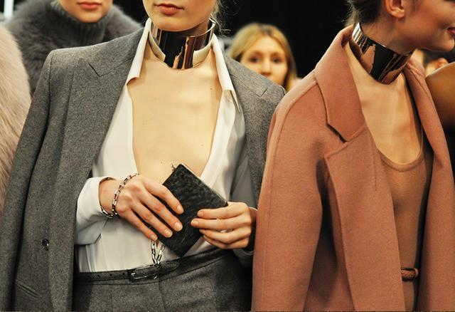 untitled - Dossiê da moda – Dá para alongar pescoço curto?