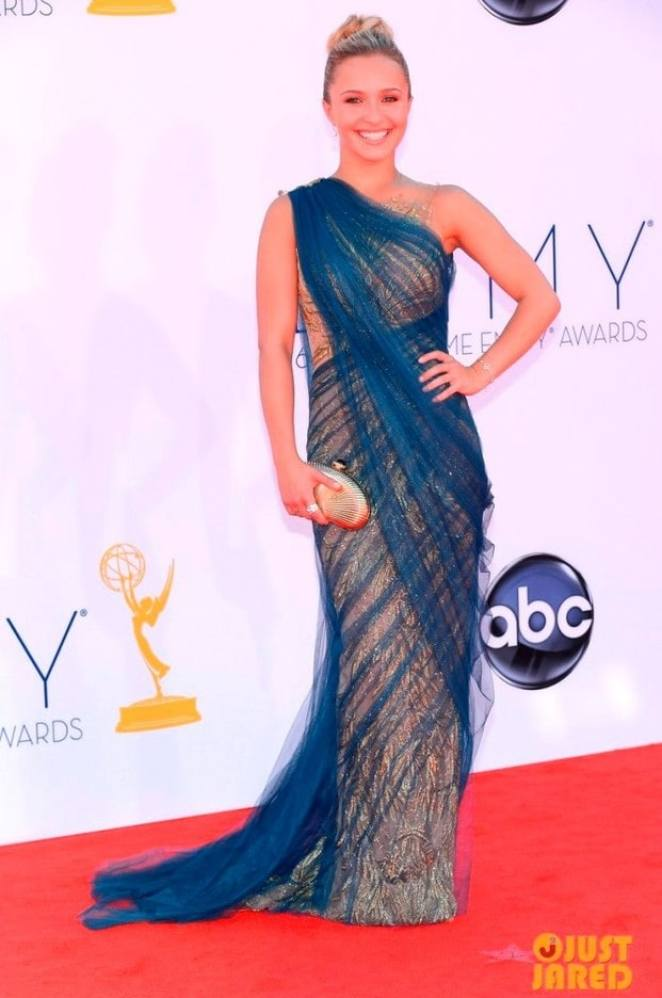 hayden panettiere connie britton emmys 2012 red carpet 03 Marchesa - Looks Emmy Awards 2012