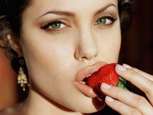 morango..1 300x225 - Alimentos e cápsulas antioxidantes contra envelhecimento!