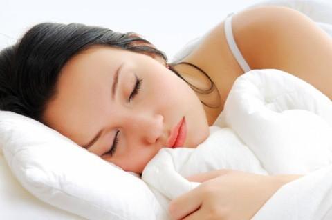 mulher dormindo grande - Como Dormir Melhor?
