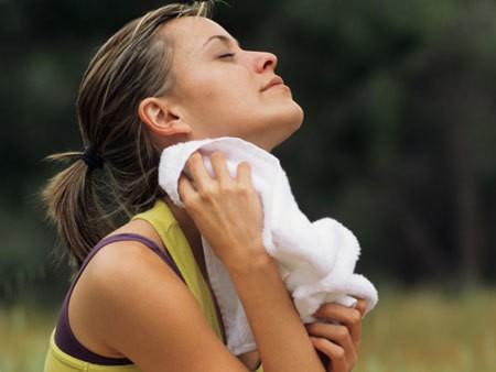 429402 Suor com odor forte o que fazer 4 - Excesso de Suor: O Que Fazer?