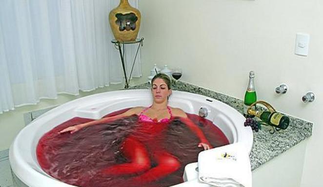 vinho1 - Rejuvenesça Com a Vinhoterapia!