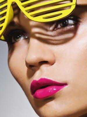 a tendencia do baton rosa 11 - Batom: Conheça as cores que vão colorir sua boca no inverno!