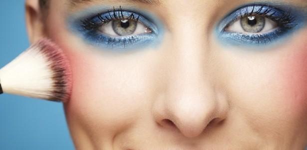 maquiagem azul - Beleza diferenciada no olhar
