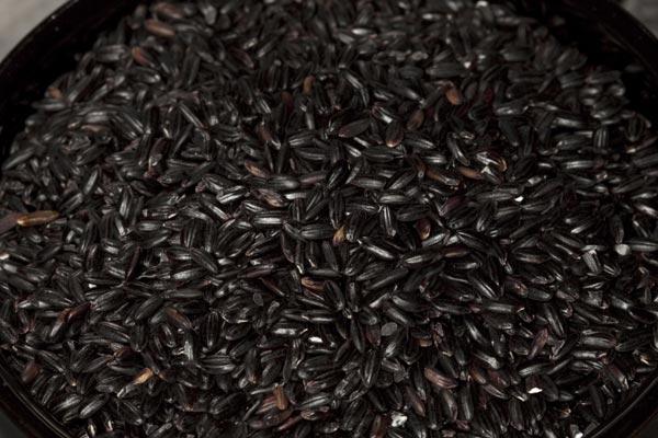 PretoGoogle - Aposte nos alimentos de cor escura!