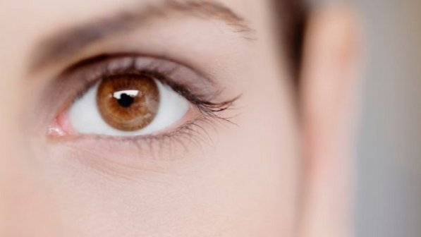 olhos castanhos 20130110 size 598 - Combine a cor da maquiagem com a íris dos seus olhos