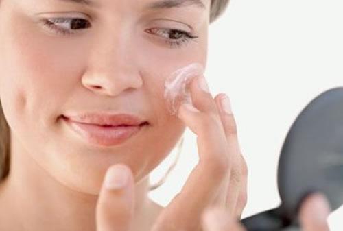 Como cuidar da pele no inverno1 - Linda e sem maquiagem?