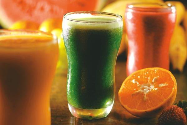 suco refresca verao 600 - 7 Sucos Que Hidratam no Verão