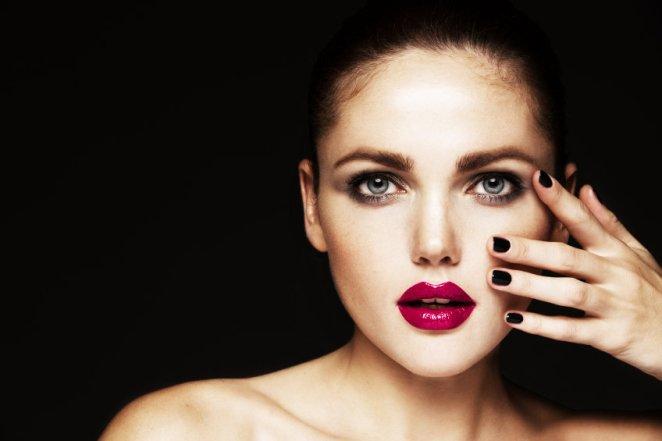 iStock 000042767144 Small - Erros de maquiagem que abalam a sua personalidade