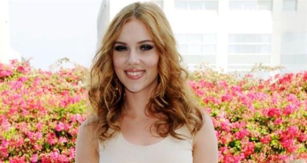 Scarlett Johansson - Tipos de cabelos cacheados: o guia completo