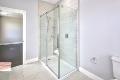 122 Edward Ensuite Shower