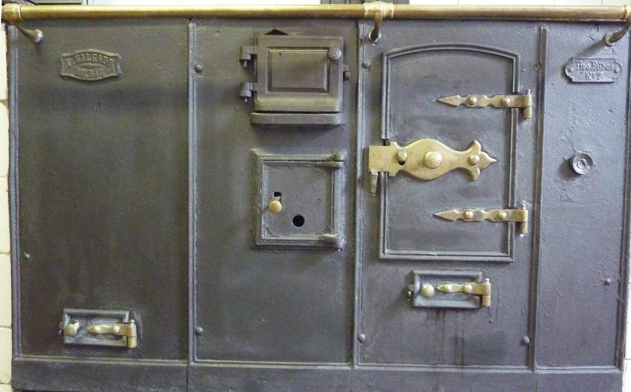 Patrimonio industrial mueble cocina tipo bilbao avpiop - Cocina economica a lena ...
