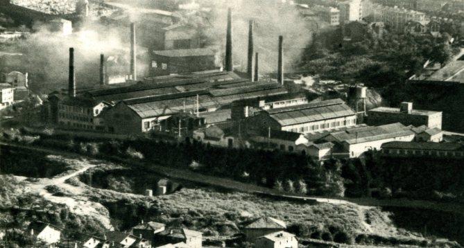 La fábrica Echevarría de Bilbao en una imagen de hacia 1950