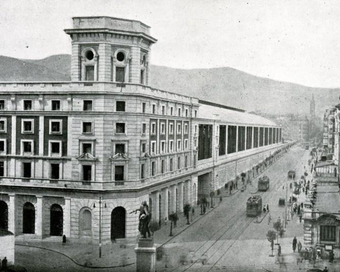 La estación de Bilbao Abando en 1948 (Revista Trenes, nº 37 extraordinario. RENFE, 1948).