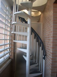 duplex-alquiler-2-dormitorios-actur-zaragoza-escalera-exterior