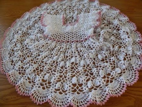 Vestido de abanicos en crochet para niñas