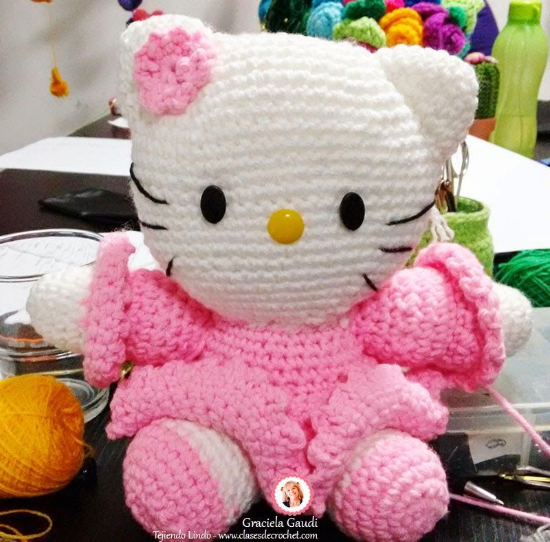 Mini Hello Kitty Bruja Amigurumi, Tutorial | Hello kitty amigurumi ... | 788x800