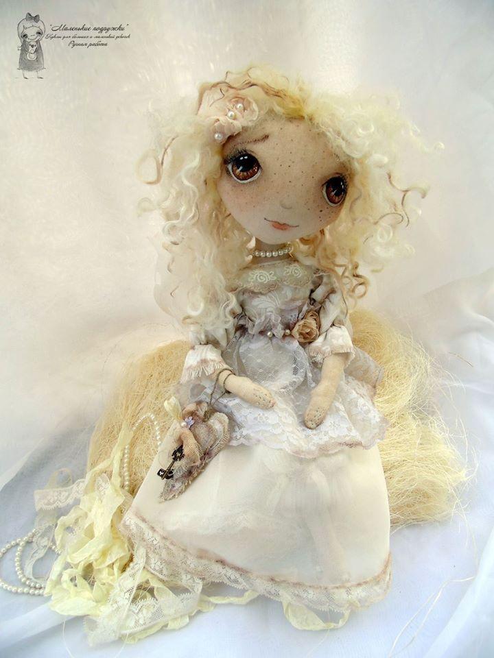 Dulce muñeca de tela - Patrones gratis