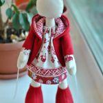 Abrigo con capucha para muñecas