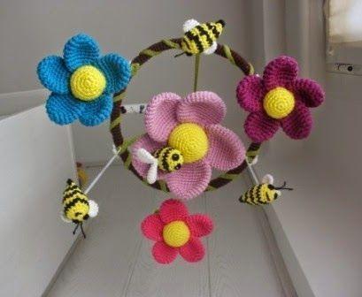 Movil para cuna de flores y abejas - Patrones gratis