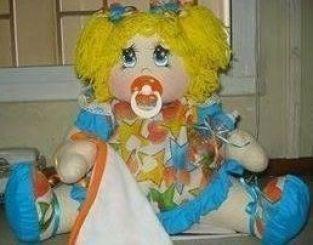 muñeca linda con chupete