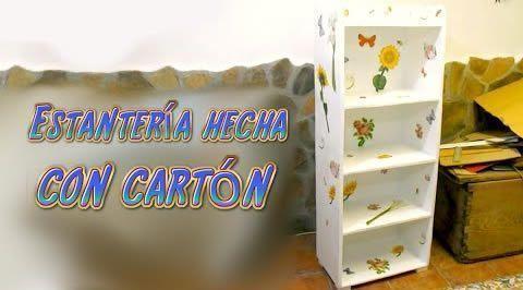 mueble estantería hecha de cartón