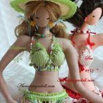 Muñecas de tela en bikini