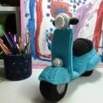 DIY como hacer una Moto Vespa en amigurumi