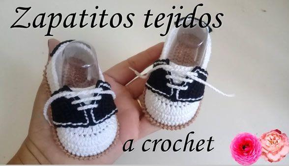 Zapatito mocasín a crochet para bebé