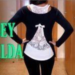 Camiseta con encaje de abertura en la espalda