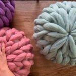 Cojín redondo con vellón de lana XXL