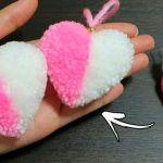 DIY Pompones corazón dos colores