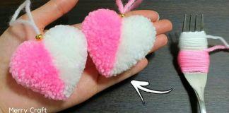 Pompones en forma de corazón con dos colores