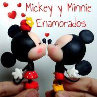 Mickey y Minnie Enamorados kawaii en porcelana fría