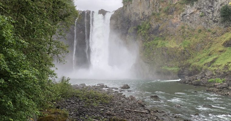 Visiting Snoqualmie Falls with Kids