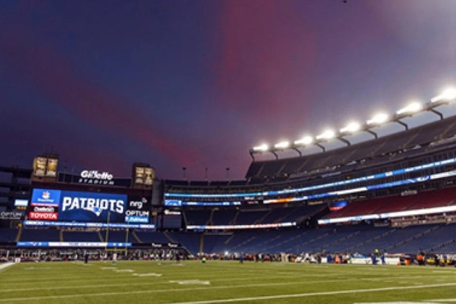 PHOTO: Patriots Cloud Spotted Before Thursday Night's Game