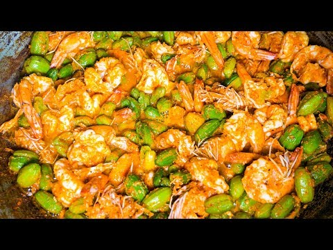 Village Food in Thailand – SHRIMP CURRY and FORAGED VEGETABLES in Trat, Thailand!