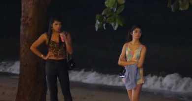 Pattaya-Seaside Avenue -Thai Girls at Night time-How much?500 baht!