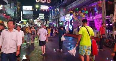 Walking Avenue   Russian  Girl Checklist   Bars  Pattaya Nightlife  Thailand