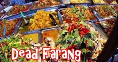 Yummy Thai Road Food at Thepprasit Night Market in Pattaya Thailand