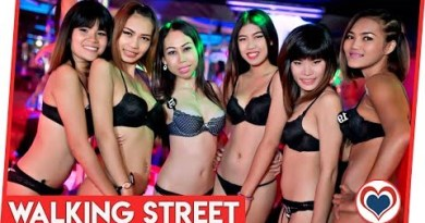 Strolling Avenue Ladies Pattaya 2014 Nightlife Thailand
