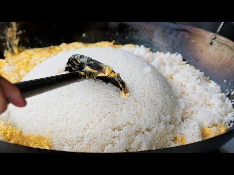Thai Avenue Food – GIANT EGG FRIED RICE Bangkok Seafood Thailand
