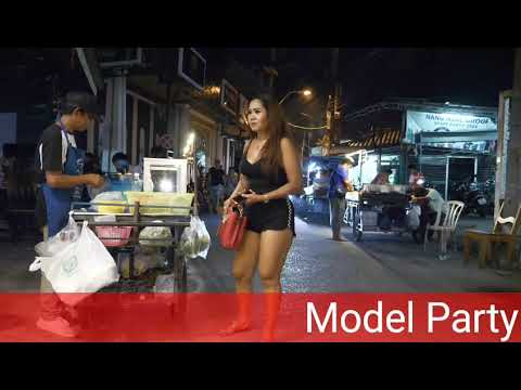 Walking in the Red Light Streets of Pattaya at Lifeless night
